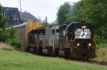 EMD Lash Up On EB NS 212 @ 1136 hrs.
